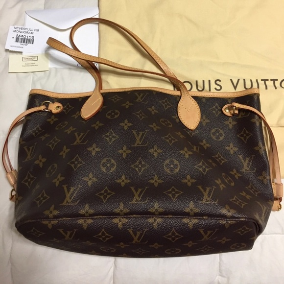752a0e4ae9a0 Louis Vuitton Handbags - Authentic Louis Vuitton Neverfull PM bag